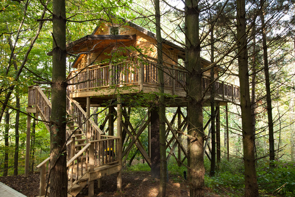 Pine Cove Lodging in Berlin