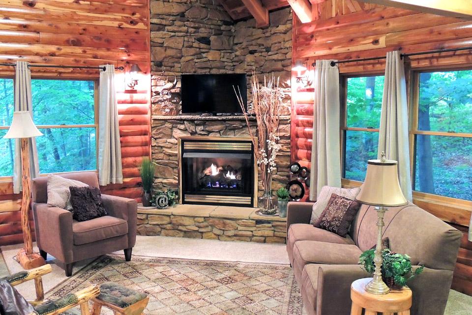 Donnas Premier Lodging fireplace