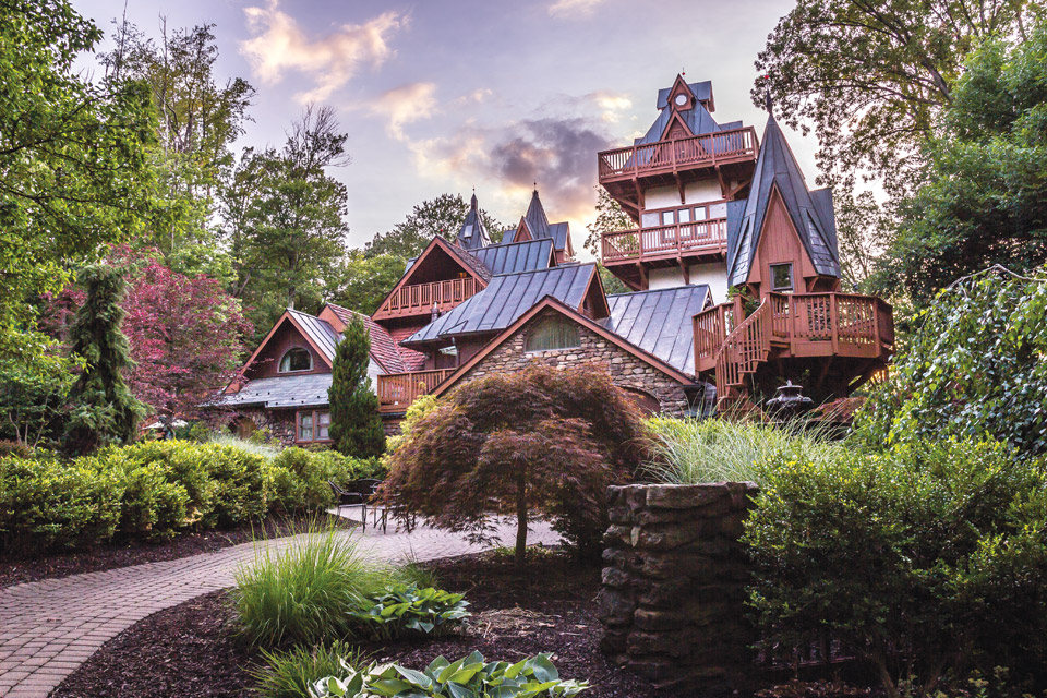 Road-Trips-Mohican-Castle