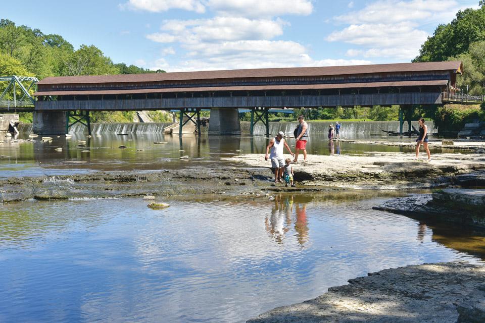 Road-Trips-Harpersfield-covered-bridge