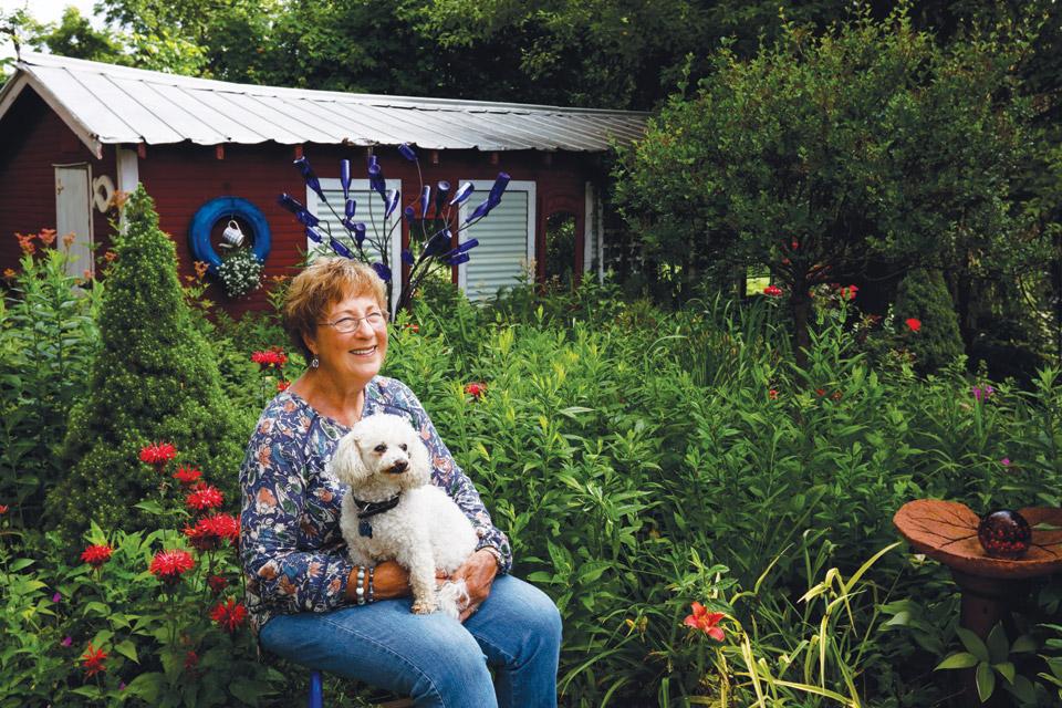 diana-daily-in-her-garden